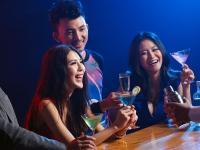这家提供特殊服务的酒吧,保证你试过还想要!