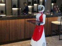 送餐机器人带给餐饮行业哪些好处?智能机器人未来会怎么发展?